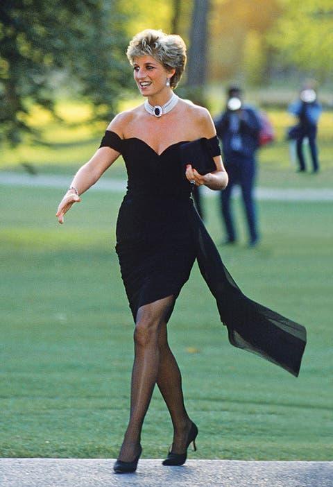 Lady Di Cómo Pasó De Joven Tímida A ícono De Moda La Nacion