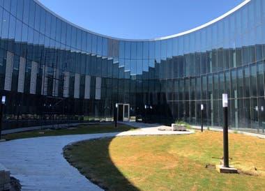 """Avanza el cerramiento externo de """"Cero más Infinito"""", el nuevo edificio de la Facultad de Exactas en Ciudad Universitaria"""