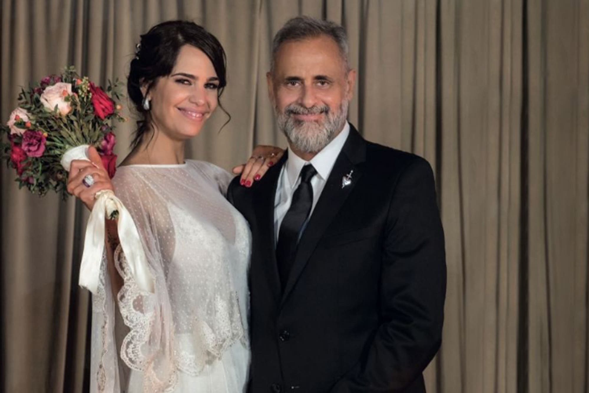 Romina Pereiro reveló la razón por la que prohibieron los celulares en su casamiento con Jorge Rial