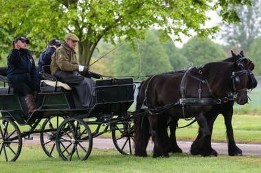 Desde hace treinta años, Felipe de Edimburgo participa del recorrido en carruaje, que sólo ganó en 1982. Este año no fue la excepción. Su nieta Louise, hija del príncipe Eduardo, también fue de la partida.