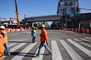 Ya no hay barreras en el cruce ferroviario entre la avenida Córdoba y Juan B. Justo