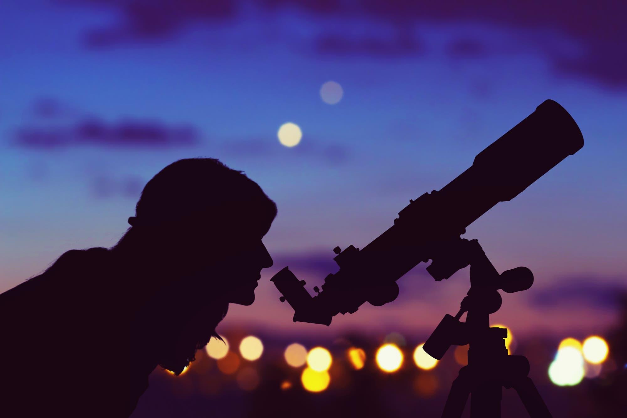 El microscopio del pesimista y el telescopio del optimista