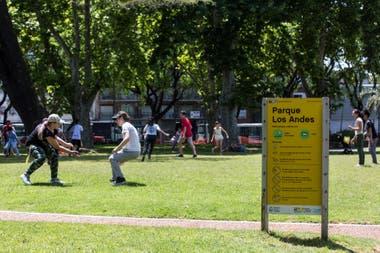 Parque Los Andes, en Chacarita. Esta plaza está construida sobre el primer cementerio del barrio