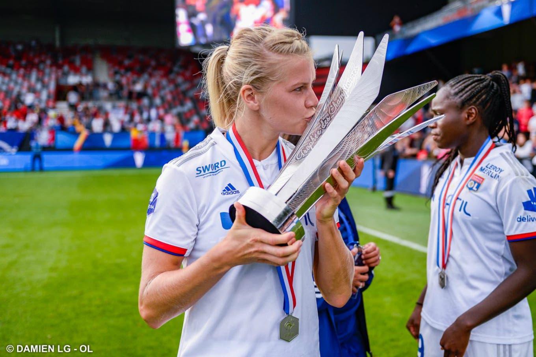 La jugadora noruega Ada Hegerberg firmó el mayor contrato de patrocinio de una futbolista europea