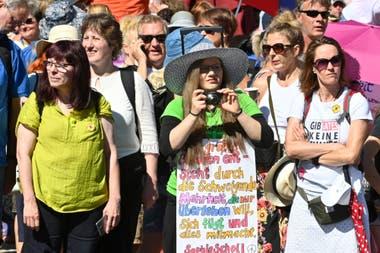 Unas 17000 personas participaron de la marcha anticonfinamiento el sábado pasado en Berlín