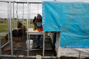 Los ocupantes de Guernica autogestionan ollas populares para alimentar a las familias
