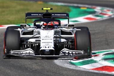 Pierre Gasly debutó con Toro Rosso, en el Gran Premio de Malasia 2017; con la escudería de Faenza, renombrada Alpha Tauri en 2020, acumula 55 presentaciones y dos podios