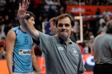 Javier Weber llevaba 13 años como entrenador de Bolívar; en abril se fue a dirigir en Brasil.