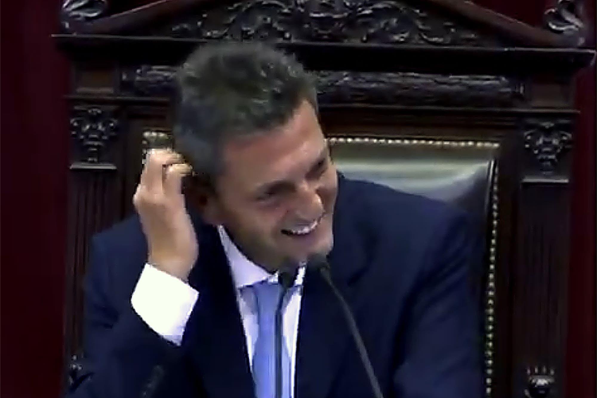 Incontrolable: el inoportuno ataque de risa de Sergio Massa en el Congreso