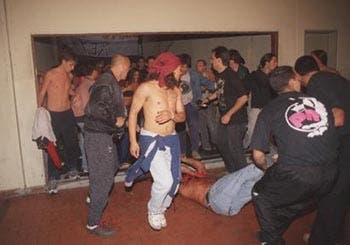 Violencia, heridos y terror en Núñez - LA NACION
