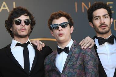 El director y guionista Luis Ortega junto al debutante Lorenzo Ferro y el Chino Darín, quien ya trabajó bajo sus órdenes en la miniserie Historia de un clan