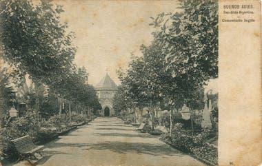 El cementerio inglés de la calle Victoria