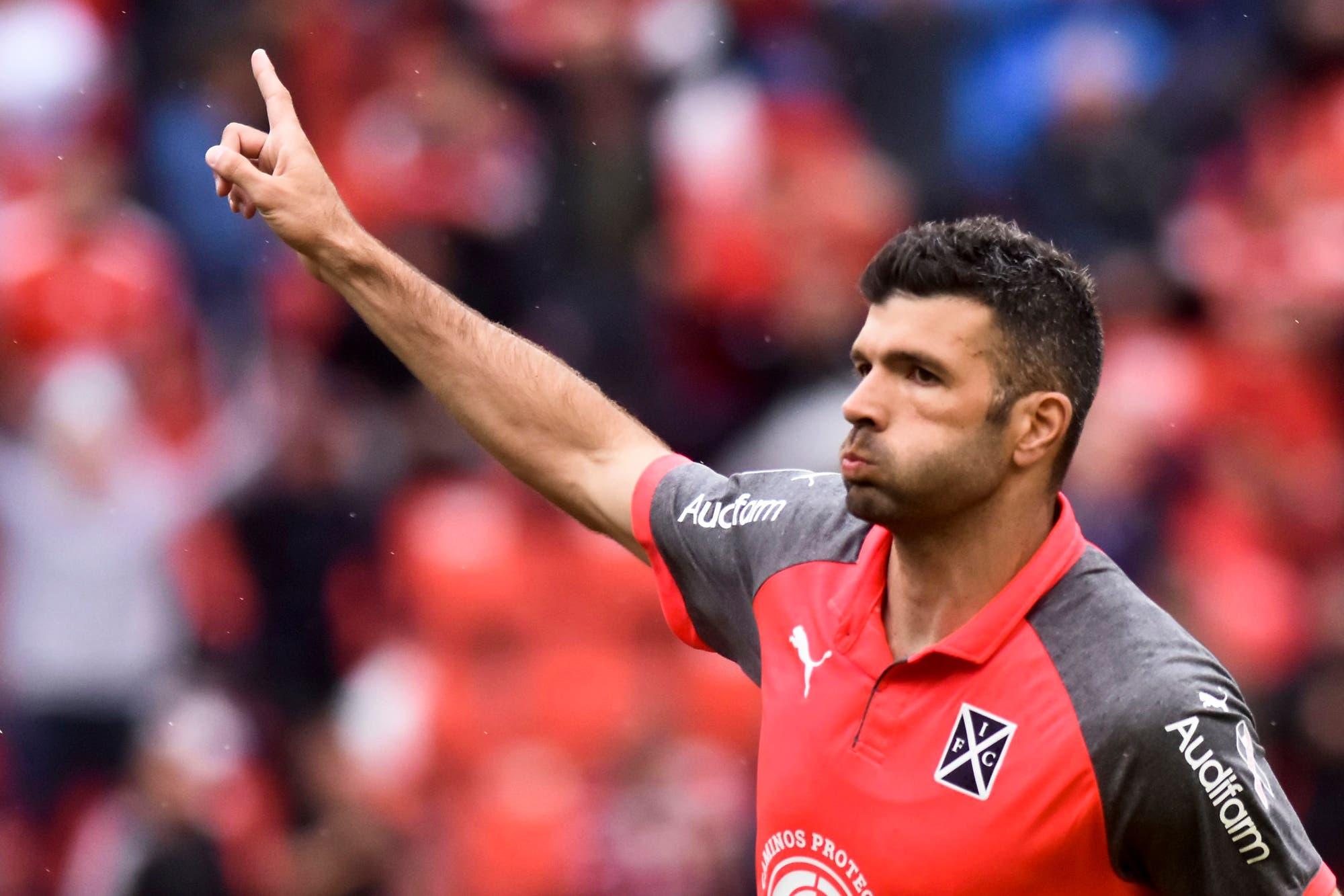Independiente se quedó sin el 9 que necesitaba: su controvertida política de compras y ventas