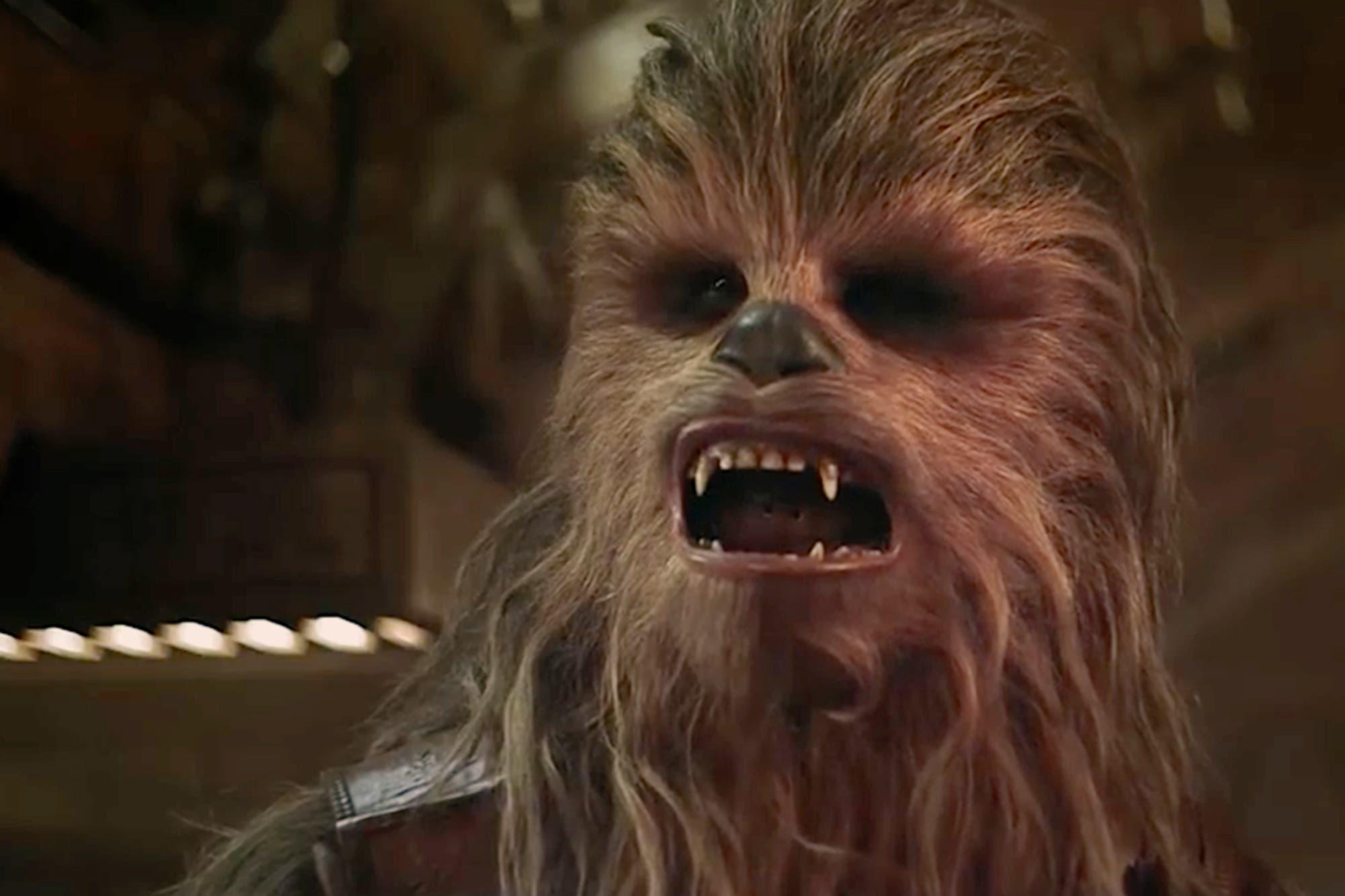 Murió Peter Mayhew, el actor detrás de la máscara de Chewbacca en Star Wars