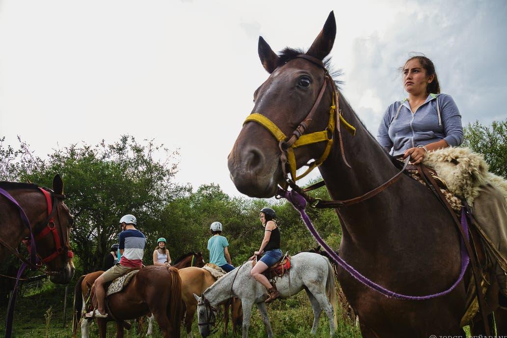 Cabalgata brindada por el guía Salvador Giménez.