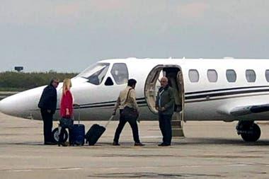 El vuelo de Magario a Tucumán para un acto del PJ reactivó la polémica por el uso del avión sanitario