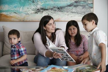 Delfina Kalfaian con sus hijos, Lucrecia, Ignacio y Felipe
