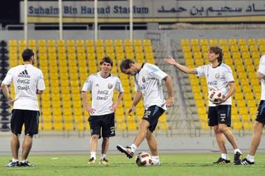 En el Qatar Sports Club de Doha, siempre con la selección