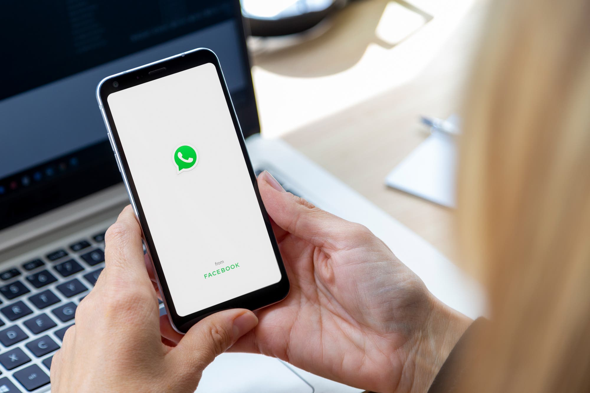 WhatsApp avanza con su función para usar el chat en cuatro teléfonos al mismo tiempo