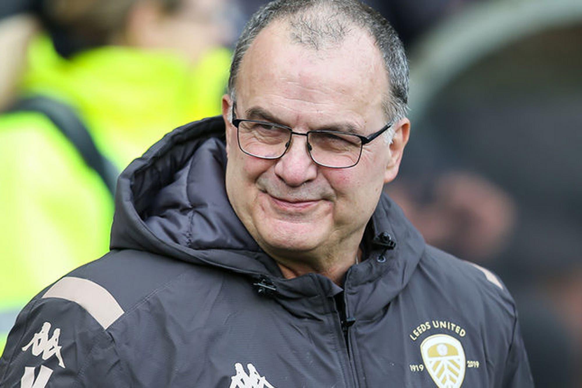 Marcelo Bielsa en Leeds. El premio al mejor director técnico de la temporada y la bienvenida de Sir Alex Ferguson