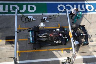 El stop and go y 10 segundos de penalización a Lewis Hamilton, la sanción que modificó la aventura en Monza; el británico cayó del primer al último puesto y remontó hasta el 7mo lugar