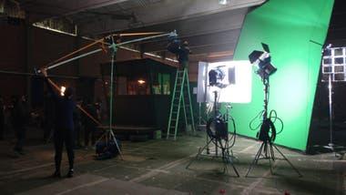 """Durante la pandemia se filmaron diversas publicidades en parte de las instalaciones oficiales de lo que será el """"sound stage"""" de 1.300 metros cuadrados. Es parte de un contrato entre el cluster Film Andes y la Municipalidad de Mendoza."""