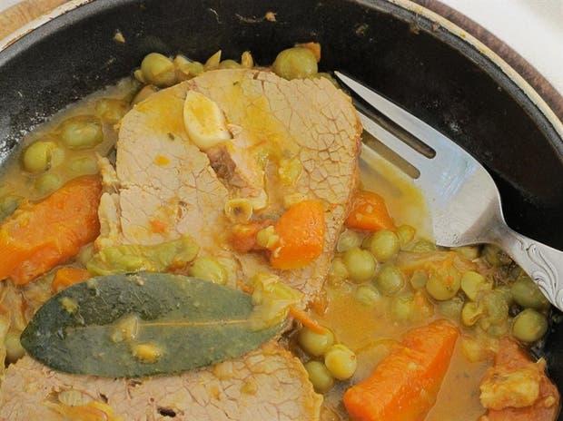 Receta de Peceto bajas calorías con zanahorias y arvejas