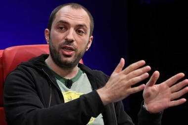 Jan Koum, uno de los fundadores de WhatsApp, durante la conferencia Dive: into Mobile organizada por el blog All Things Digital