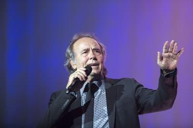 El cantante catalán hizo los arreglos de sus más grandes éxitos, que contarán un romance entre los protagonistas
