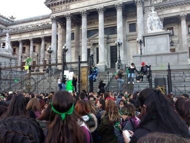 La convocatoria fue menor que las de años anteriores; mañana se celebrará otra marcha