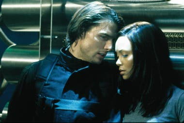 Tom Cruise y Thandie Newton en Misión Imposible 2 (2000), de John Woo