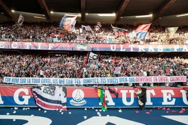 Los ultras de PSG, contra Neymar.