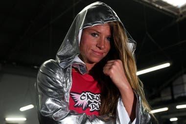 Carolina Duer, con 41 años, pelea en México