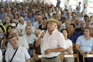 En la asamblea los productores expresaron su enojo