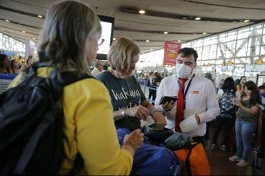 Medidas de prevención en el aeropuerto de Santiago de Chile