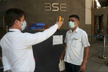 Coronavirus hoy: Cómo India logró contener (por ahora) el avance de la pandemia
