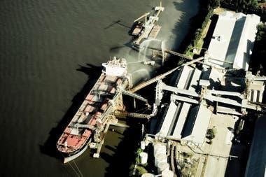 Mañana habrá una reunión entre el gremio de Urgara y la cámara de los puertos privados