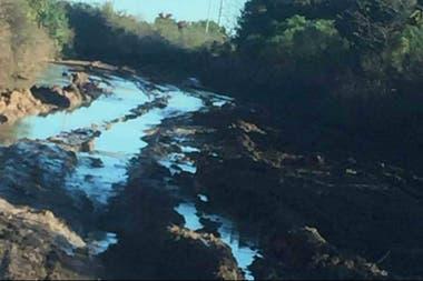 Los productores creen que el pedido del funcionario fue en represalia por el reclamo del sector por el mantenimiento de los caminos rurales