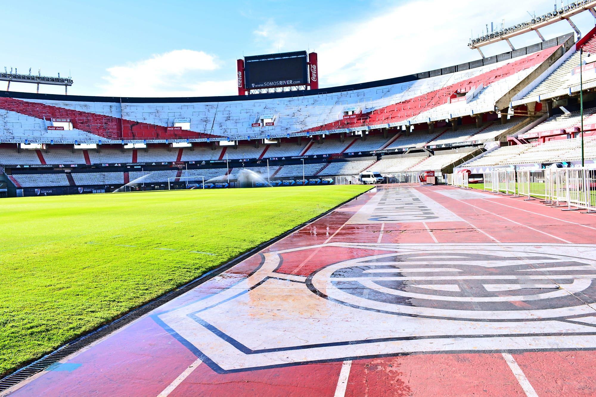 River cambia el campo de juego, elimina la pista de atletismo y no jugará en el Monumental por el resto del año: los detalles del plan de remodelación