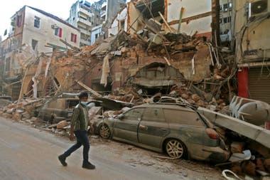 El centro de Beirut quedó destruido tras las dos explosiones de ayer