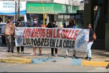 Militantes del oficialismo en San Juan protestaron contra la marcha