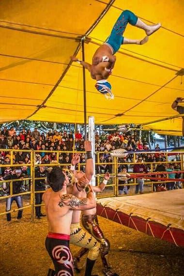 """Conmoción en México: la muerte de """"El Príncipe Aéreo"""" movilizó al mundo de la lucha libre"""