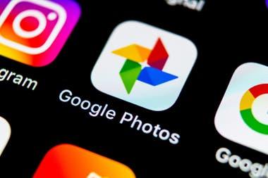 En mi iPhone de Apple, uso aplicaciones de Google para los álbumes de fotografías y los mapas, junto con las herramientas de calendario, correo electrónico y documentos