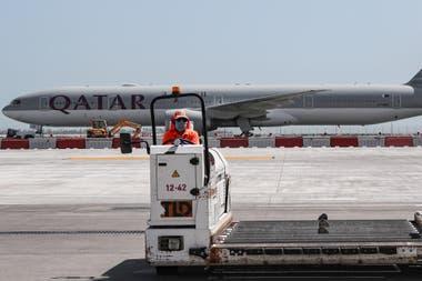 El 2 de octubre, agentes del aeropuerto de Doha hicieron bajar de un avión a pasajeras de un vuelo con destino a Sidney, obligándolas a someterse a exámenes ginecológicos