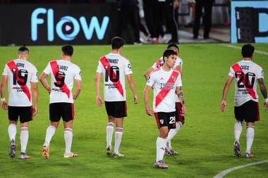 En el campo local el juego de River trastabilla, y viene la serie de octavos de final por la Copa Libertadores.