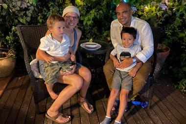 Alejo Chapero y Belén, su esposa, decidieron emigrar a España con sus dos hijos