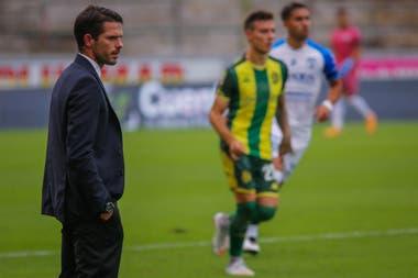 Fernando Gago: estreno como DT con derrota al frente de Aldosivi