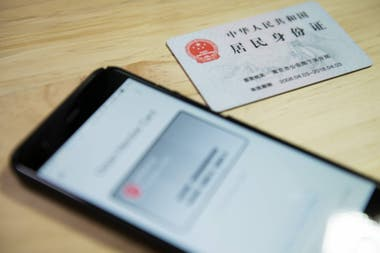 China está transformando al mensajero WeChat en un documento de identidad, vinculado con una base de datos gubernamental