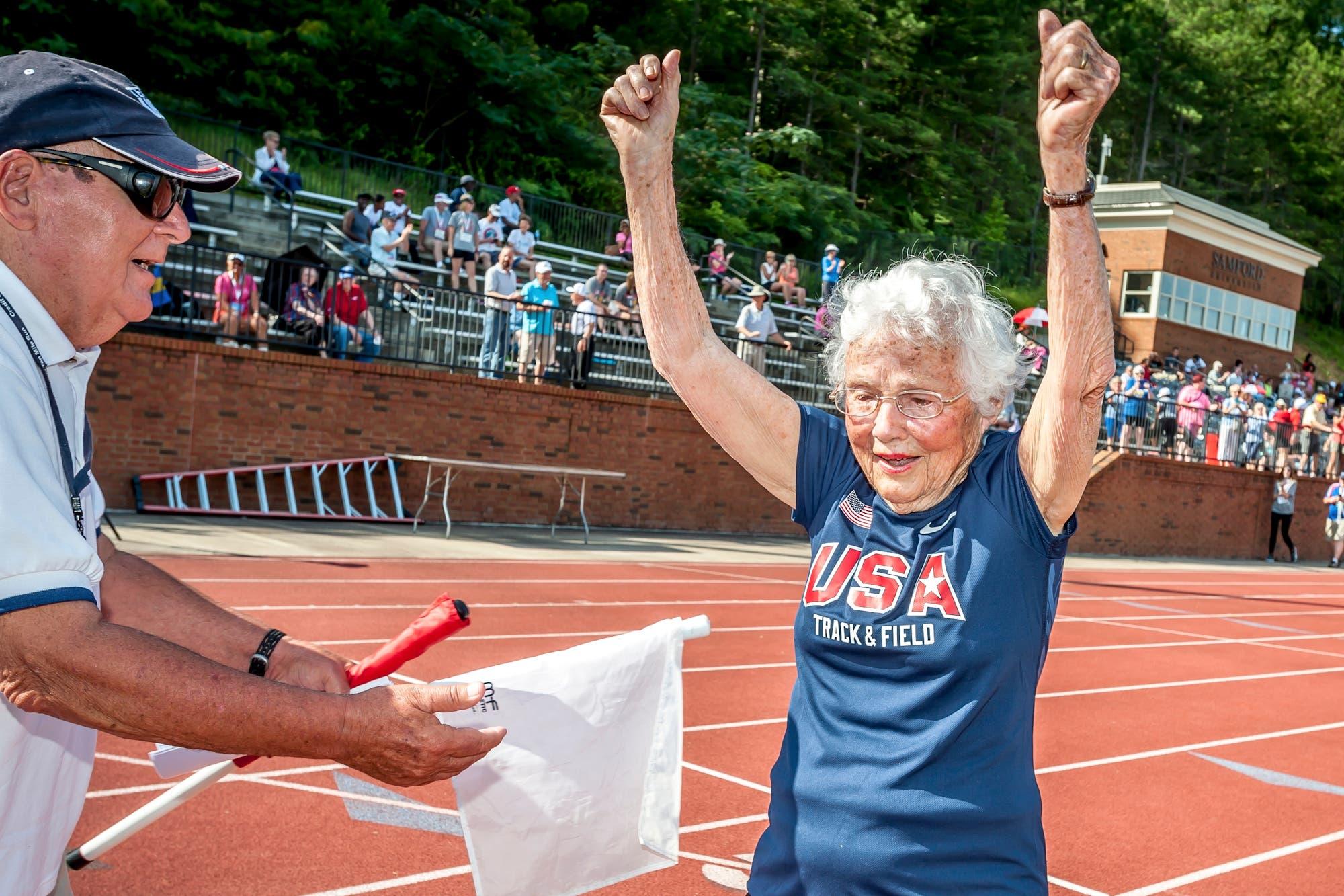 Empezó a correr a los 100 años y a los 103 sigue aferrada a su nueva pasión