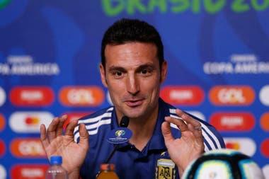 Scaloni fue ratificado por Menotti para que continúe en las eliminatorias sudamericanas y, por ende, en la próxima Copa América.